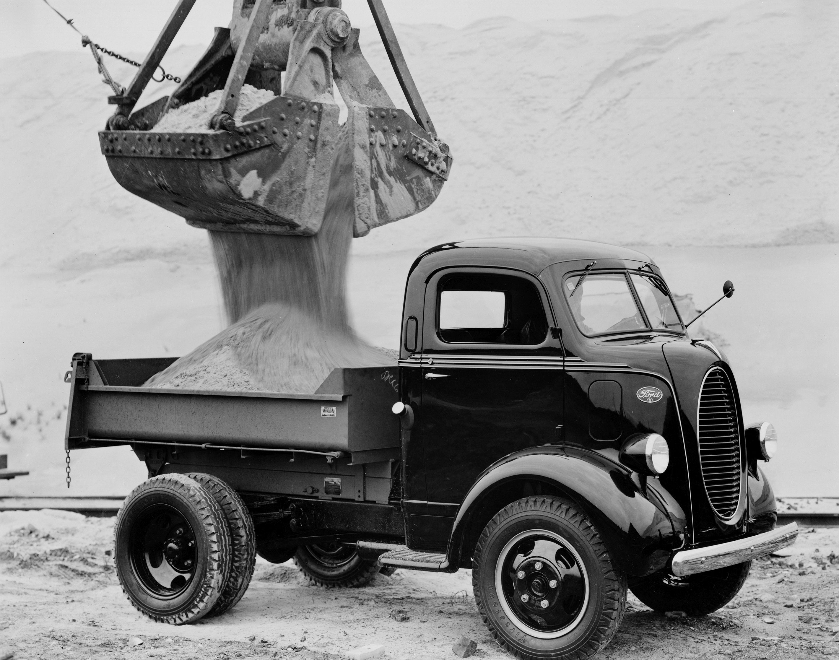 1939-Ford-Cab-Over-Engine-dump-truck-neg-70912.jpg