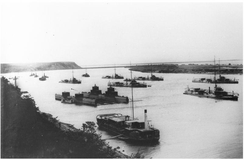 Корабли амурской флотилии в Осиповском затоне